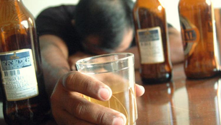 Enfermedades causadas por tomar alcohol