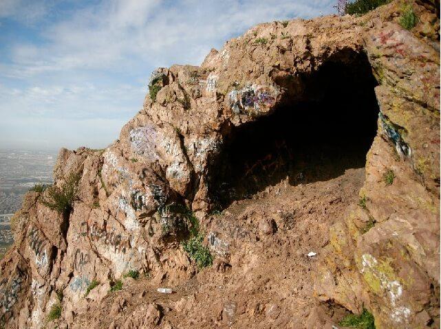 La cueva colorada